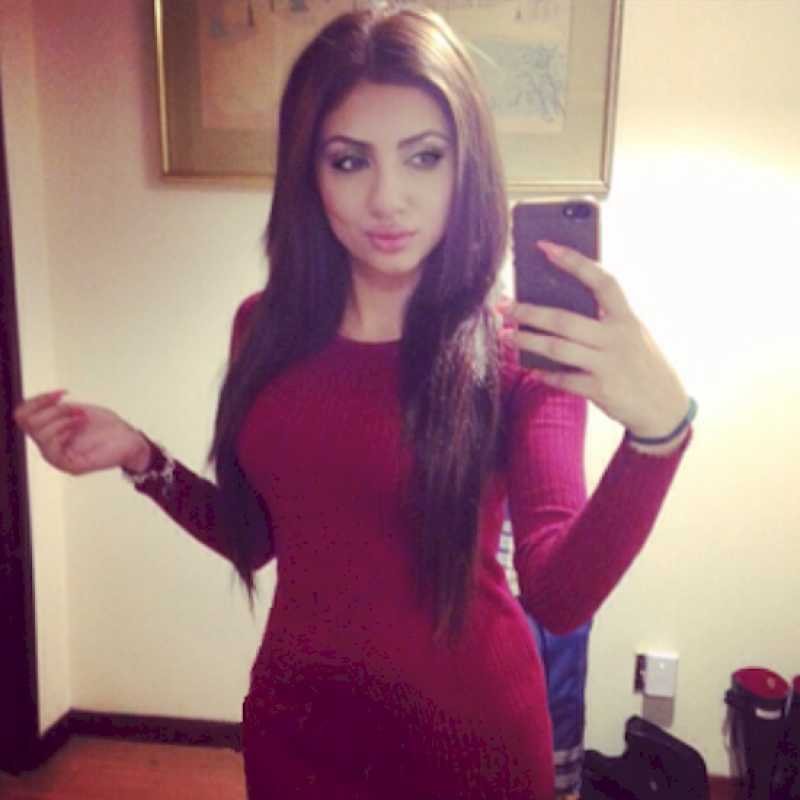 She Used To Take 50 Selfies In Day, Checkout What Happened
