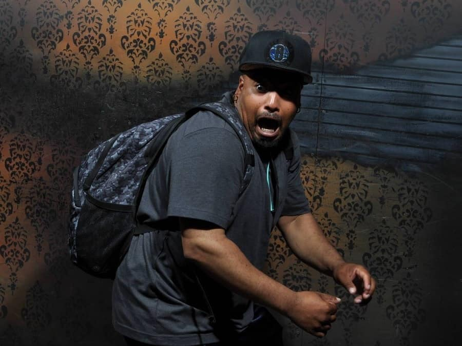 Pictures of extreme people at scary house
