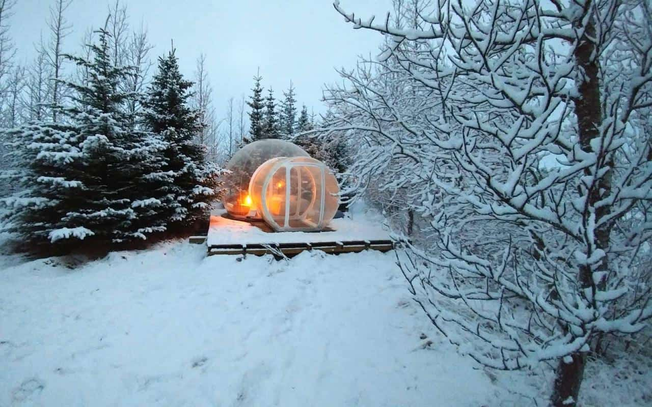 Bubble hotels to see northern lights