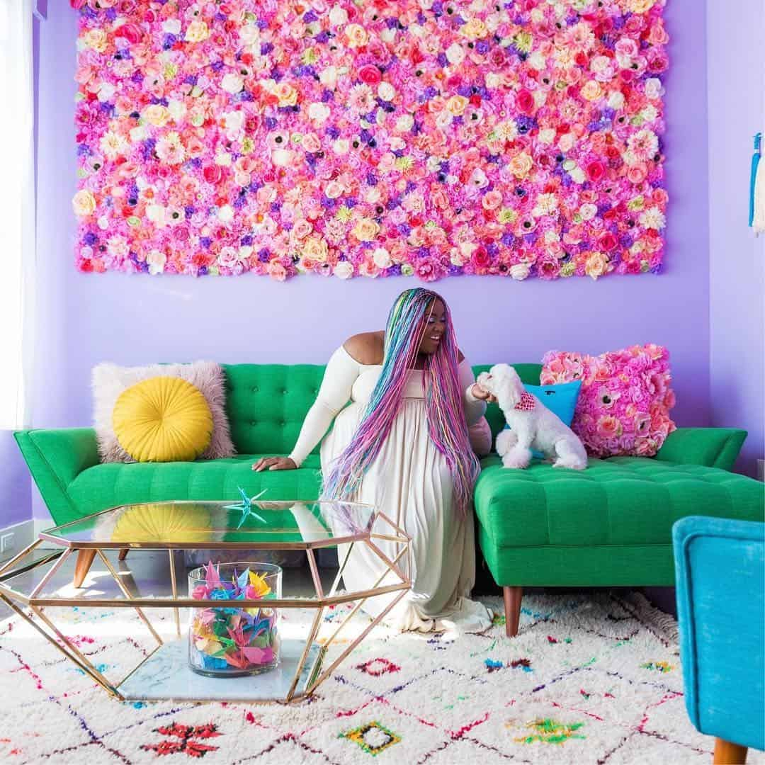 Amina Mucciolo the lady who loves colors and is living a life full of colors