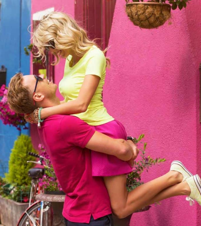 Things guys like about girls-Cute things girls do that guys love